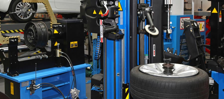 Tires and Wheel at Signature Tire Centres